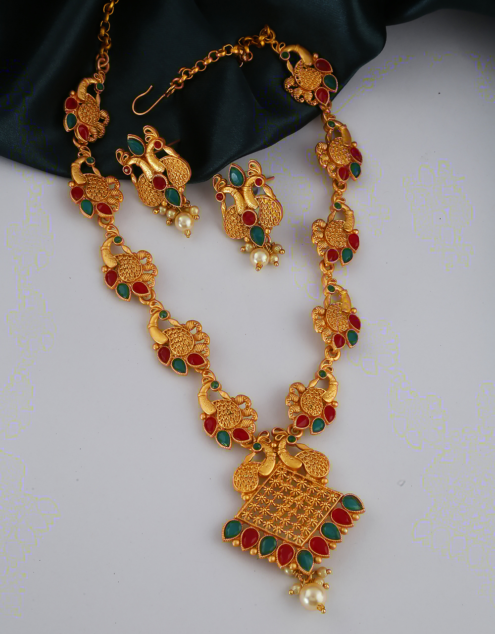 Multi Colour Traditional Matte Gold Finish Necklace For Wedding