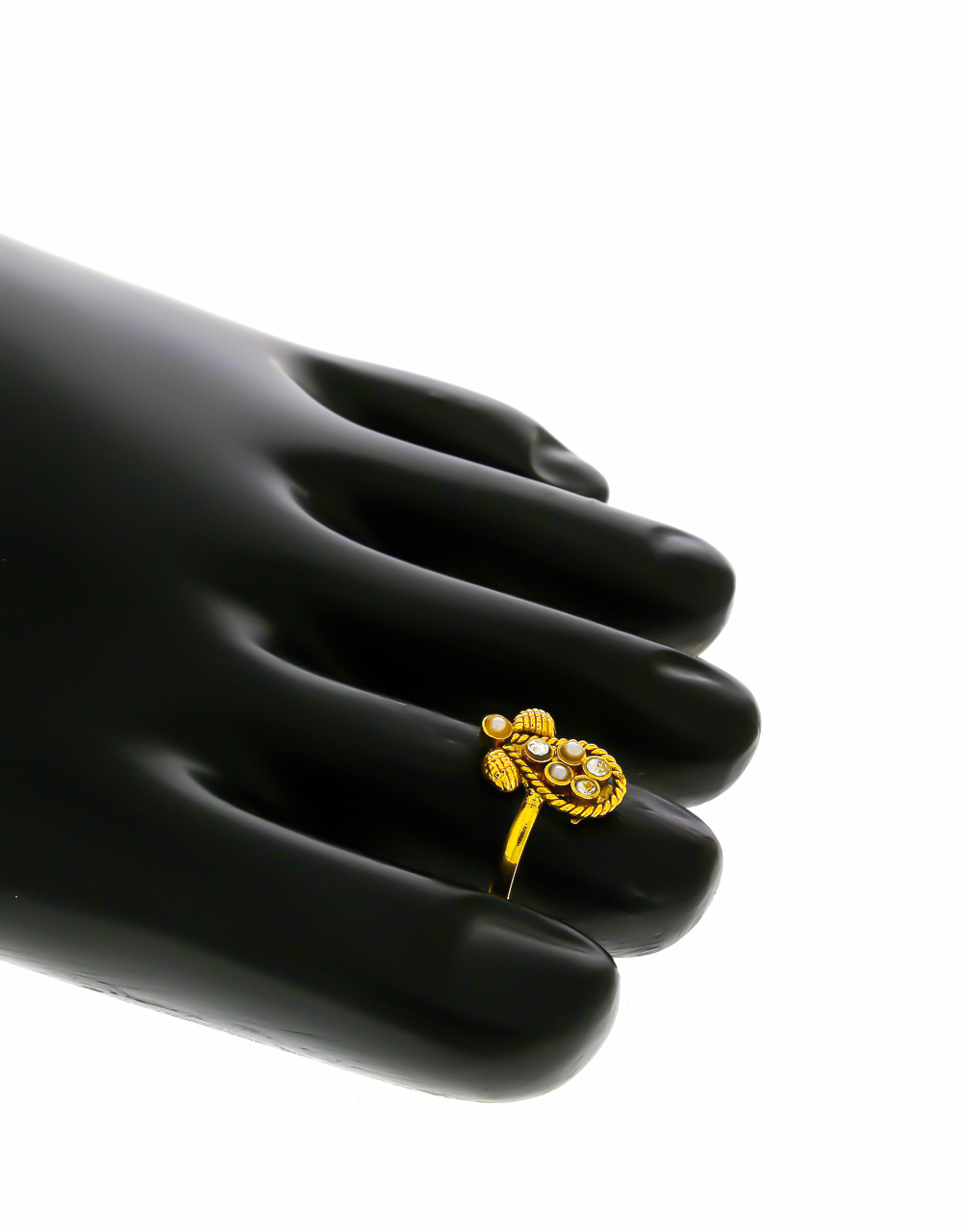 Unique Design Gold Finish Pearls Styled Bichiya Rings