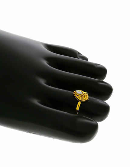 Simple Gold Finish Pearls Styled Toe Ring For Women