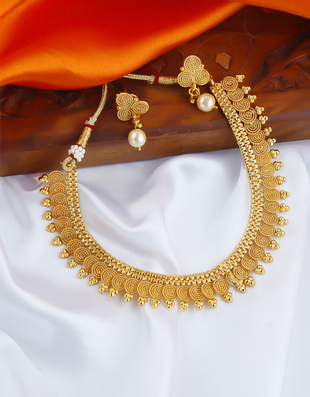Traditional Gold Finish Short Necklace For Women