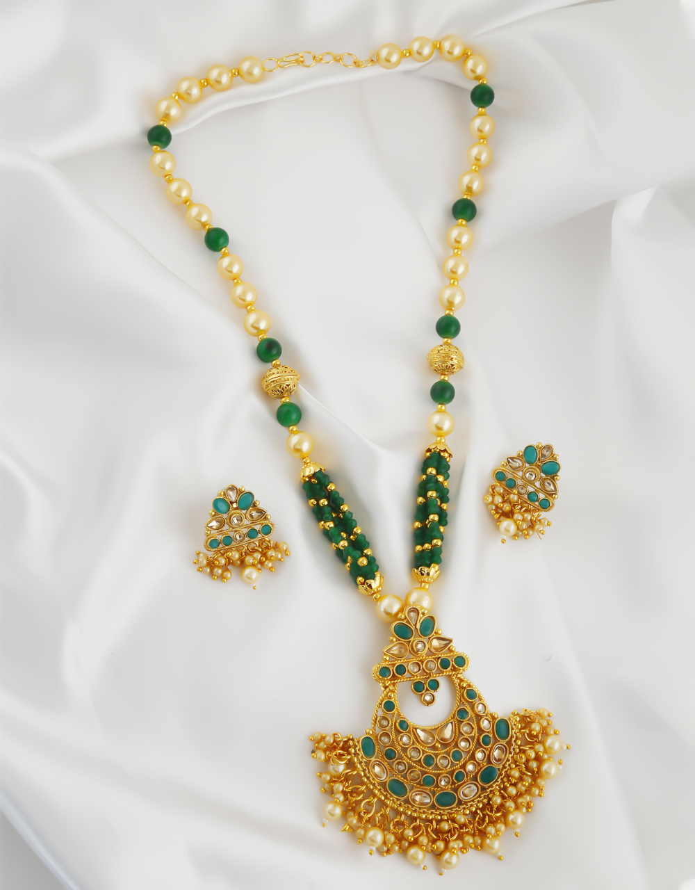 Green Colour Fancy Gold Finish Beads Styled Pendant Necklace