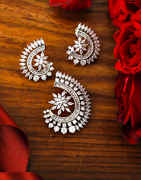 Unique Design Silver Finish Fancy American Diamond Pendant Necklace Set