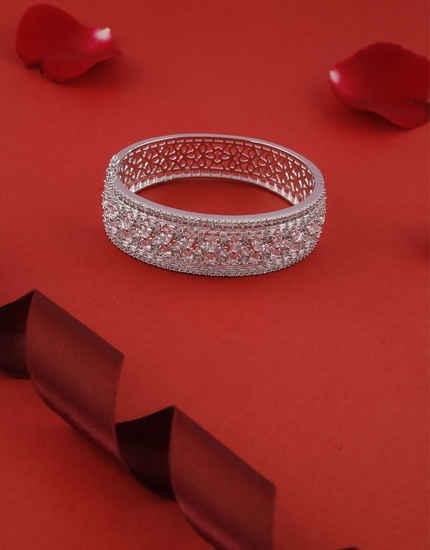 Fashionable American Diamond Bracelets For Girls Fancy Wear