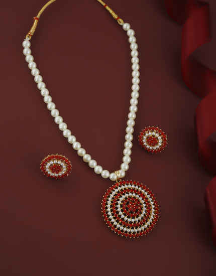 Red Colour Gold Finish Styled With Pearls Beads Moti Mala