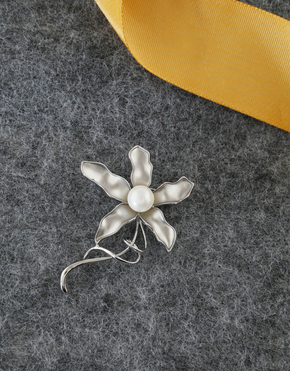 Silver Finish Floral Design Brooch Pin For Girls