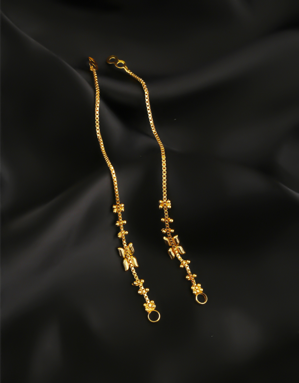 Simple Gold Finish Ear Kaanchain For Women