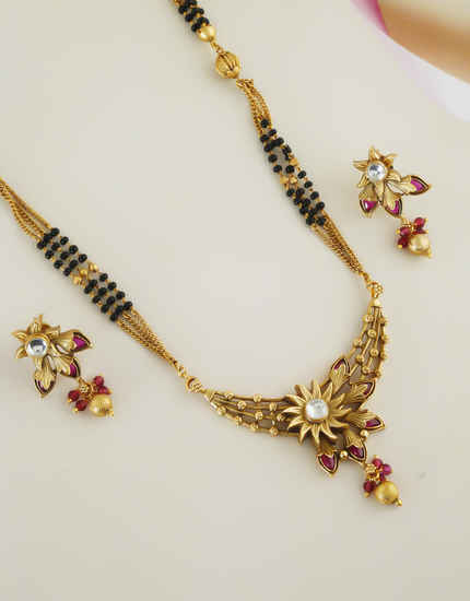 Pink Colour Gold Finish Floral Design Short Mangalsutra For Women