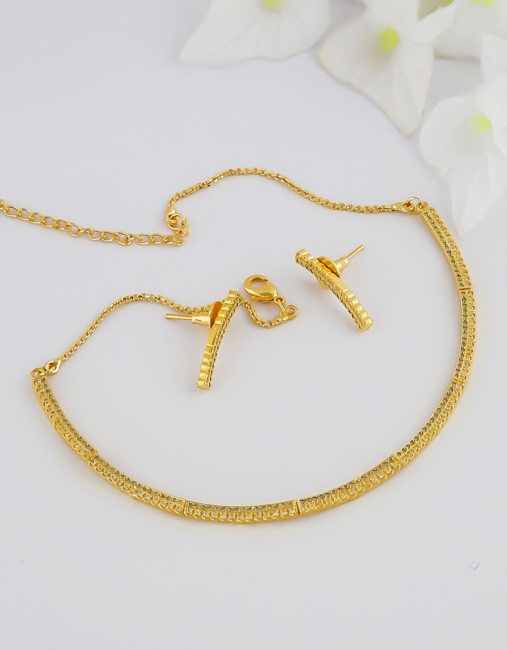Delicate Gold Finish Diamond Necklace For Girls