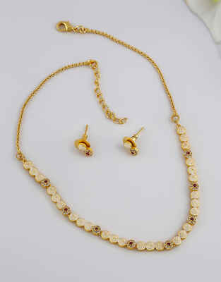 Delicate Gold Finish Pink Colour Necklace For Girls