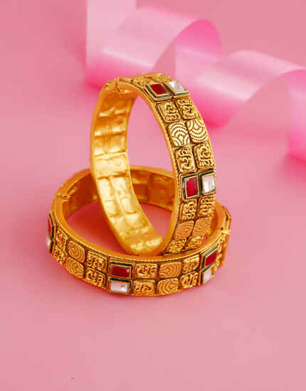 Red Colour Matte Gold Finish Kundan Bangles For Wedding