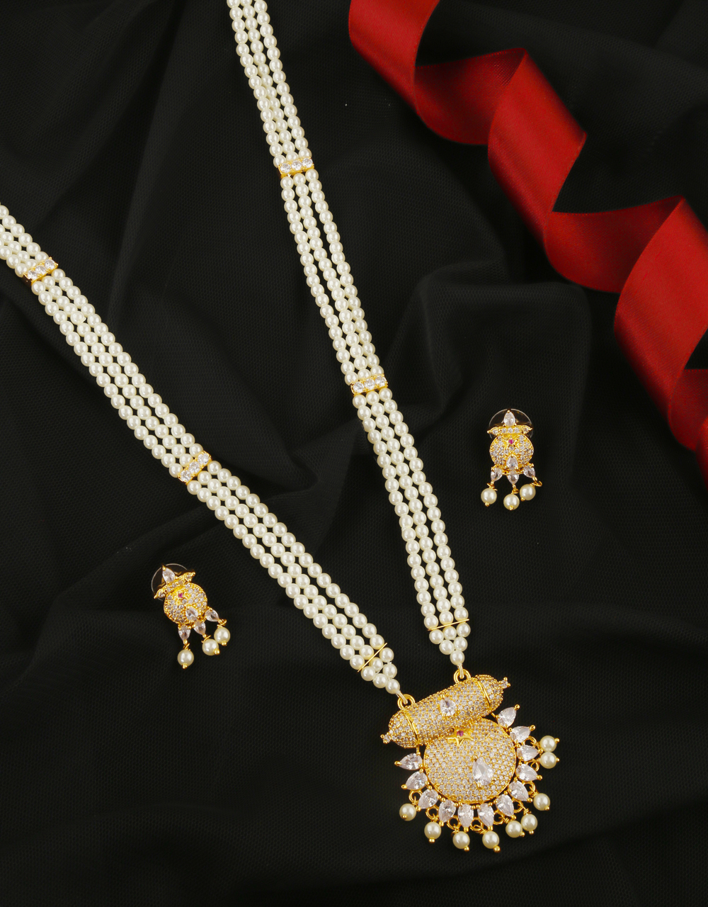 Gold Finish White Colour Pearls Jewellery Necklace For Women