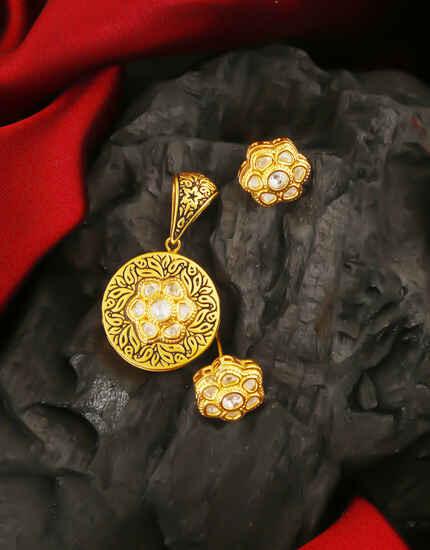 Anuradha arts Matte Finish Kundan Pendant Set for Women