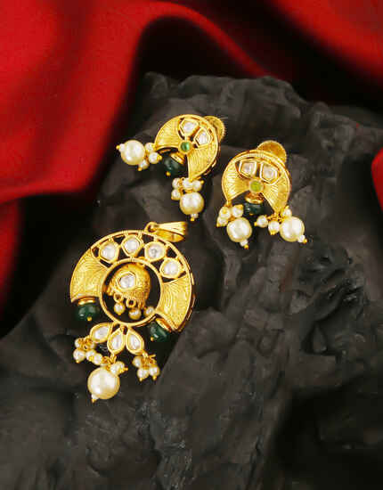 Adorable Gold Finish Kundan Pendant Set by Anuradha Arts