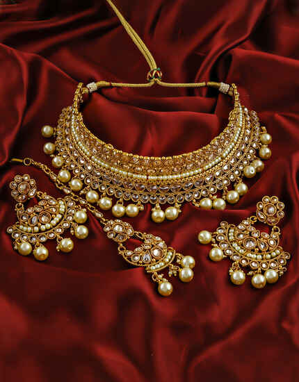 Stunning Golden Colour Pearls Traditional Necklace Set.