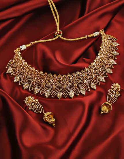 Rose Gold Finish Dazzling Traditional Necklace Set.