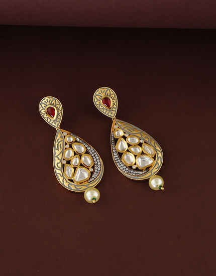 Matte Gold Stylish Design Studded With Kundan Earring For Women