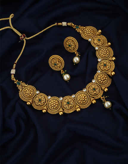 Round Floral Round Design Matte Gold Finish Necklace For Women