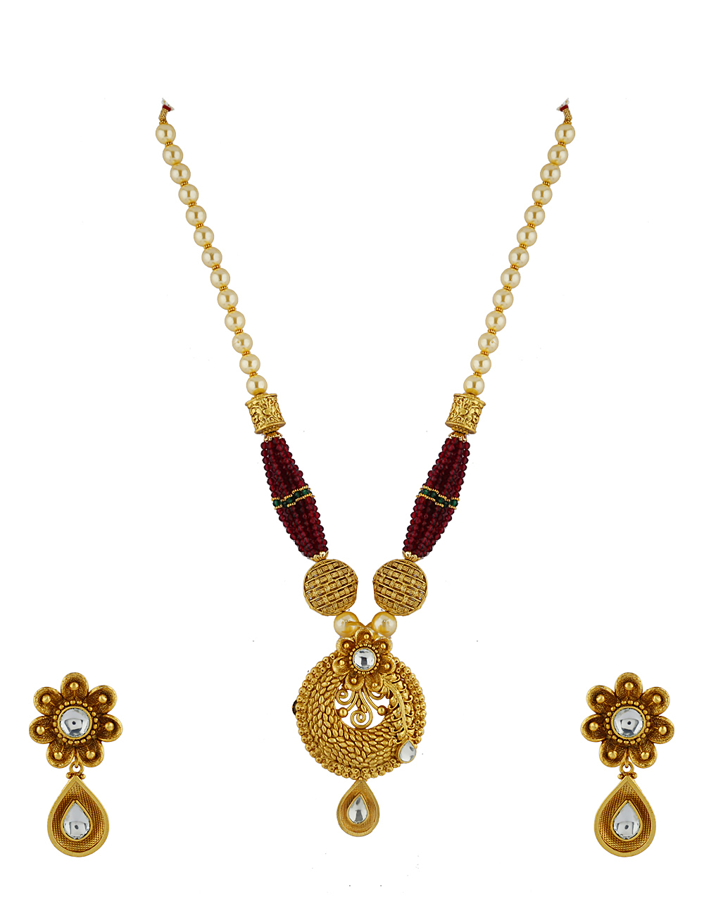 Round Design Gold Finish Pendant With Pair Of Earring For Women