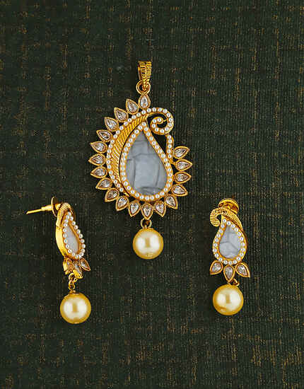 Beautiful Design Studded With Lct Stone Pendant For Women