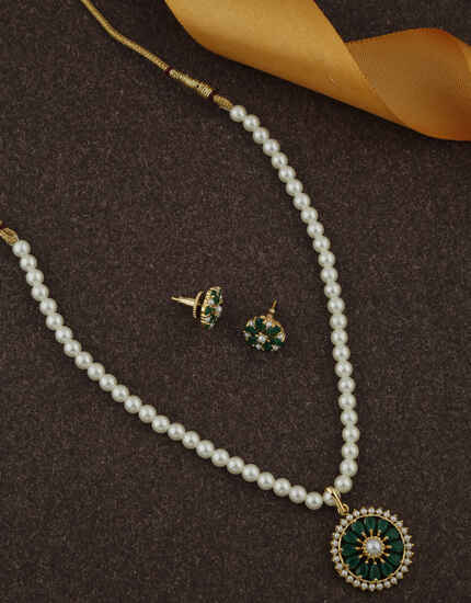 Simple Green Colour Stone Studded rani Haar Jewellery Sets for Women.