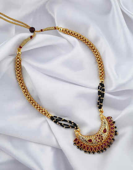 Gold plated pink color kolhapuri traditional thushi necklace