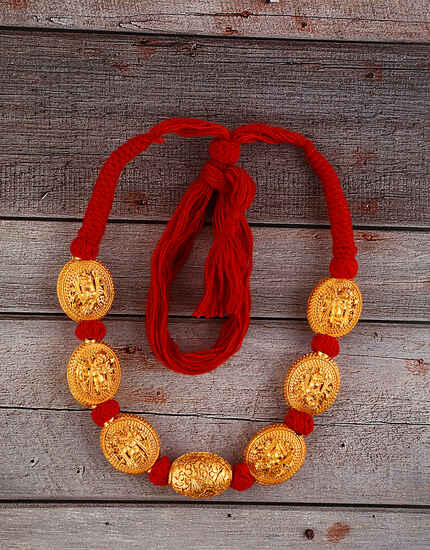 Unique Red Colour Handmade Geru Polish Thread Necklace for Women/Girls