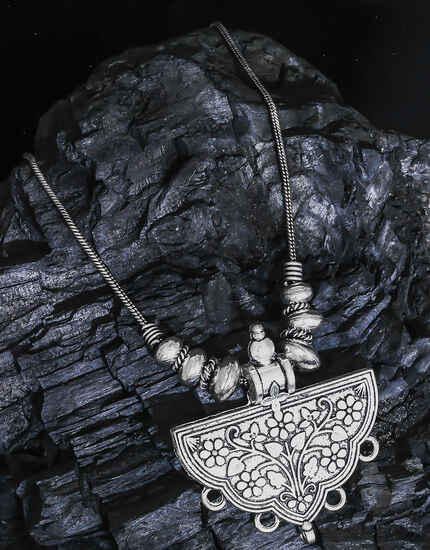 Designer Oxidised Floral Designer Chain Pendant For Women