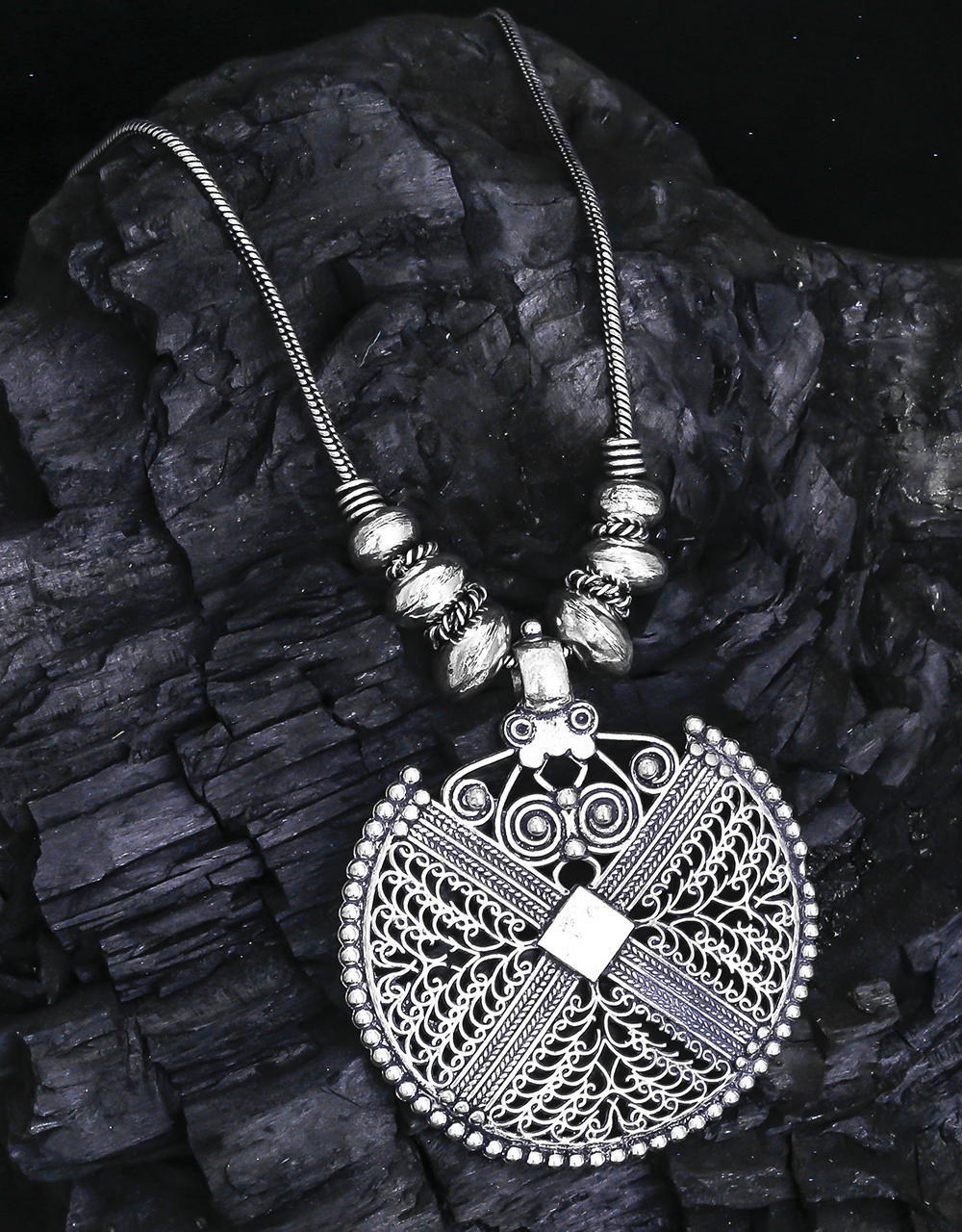 Adorable Oxidised Round Pendant Necklace for Women
