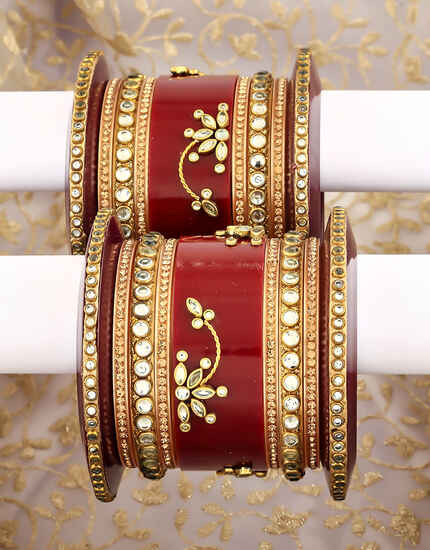 Maroon Colour Beautiful Pair of Chuda Set for Women