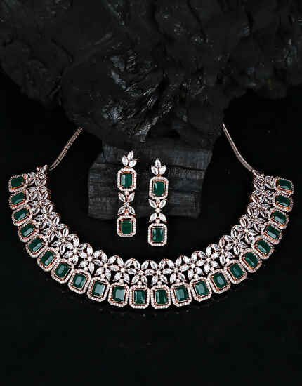 reen Colour Dazzling Floral Design Diamond Studded Necklace for Women