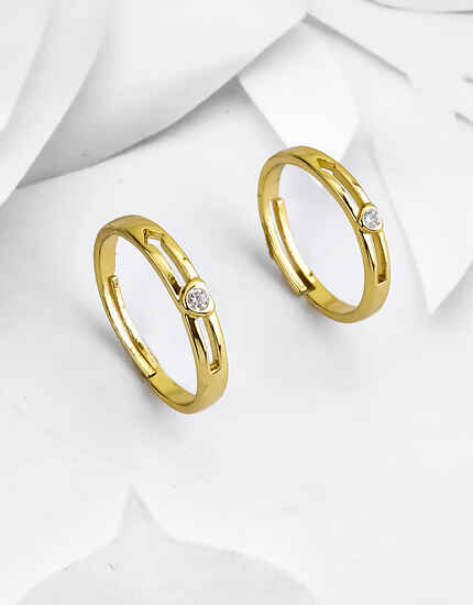 Simple Gold Finish Adorable Single Stone Couple Rings