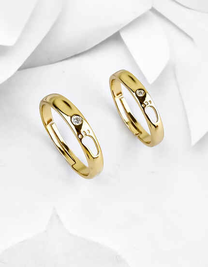 Simple Gold Finish Stylish Couple Rings Decked With Diamond