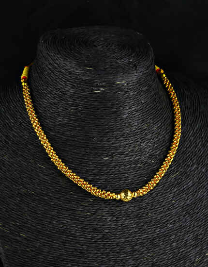 Simple Gold Finish Ball Pendant Thushi Necklace for Women