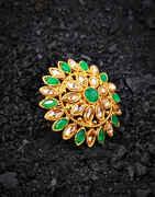 Green Colour Round Shape Stylish Finger Ring for Women