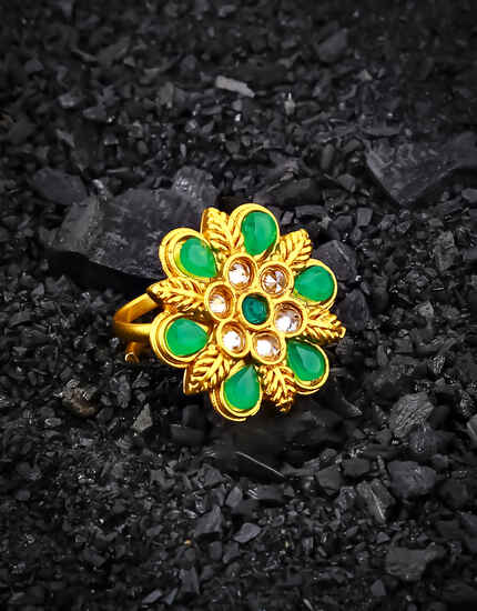 loral Design Green Colour Adorable Finger Ring for Women