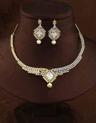 Fashionable Golden Finish American Diamond Necklace