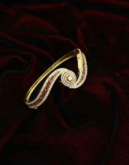 Maroon Colour Appealing American Diamond Studded Fancy Bracelet