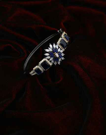 Victorian Finish Blue Colour Adorable Bracelet for Girls