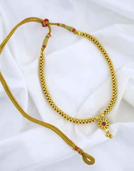 Delicate Gold Finished Beautiful Beaded Thushi Necklace for Women