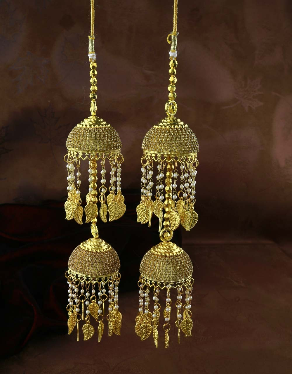 Dazzling Stone Studded Adorable Appealing Kalira for Women