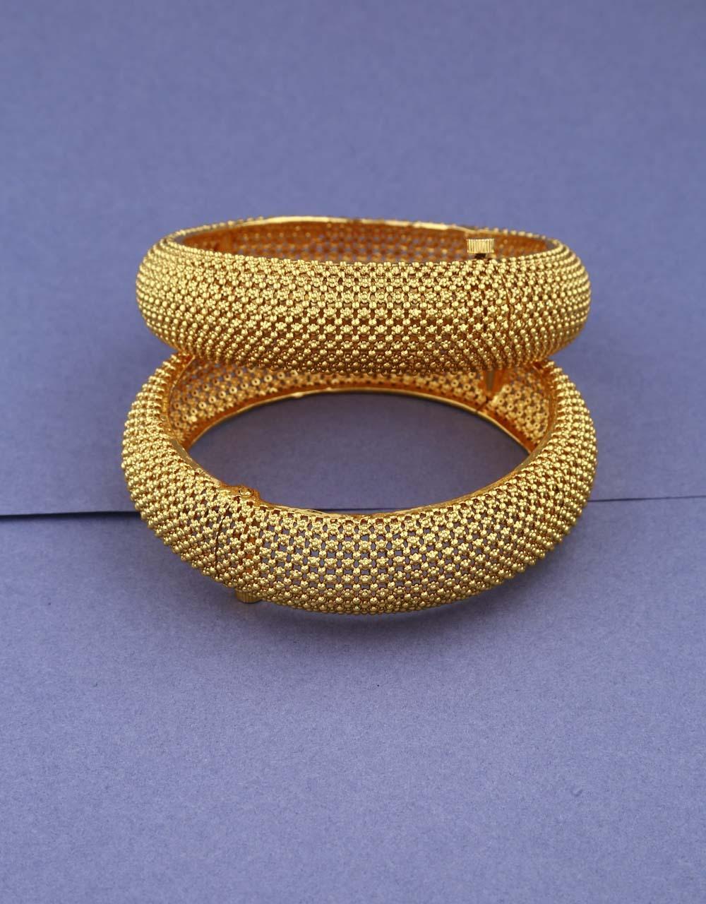 Golden Finish Simple & Classy Traditional Kada For Women