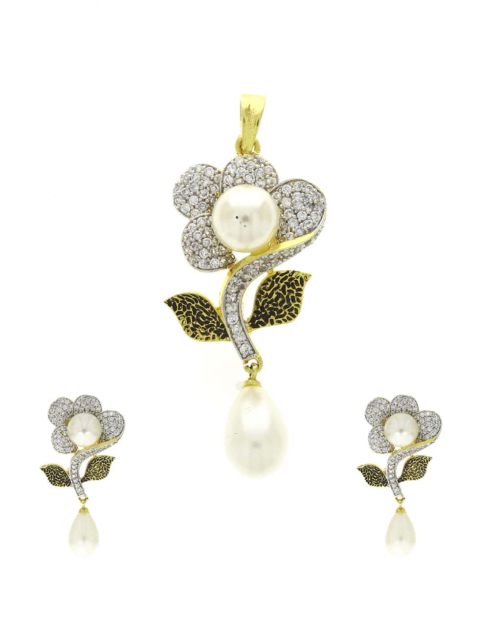 Flower Styled Adorable Classy Traditional Pendant Set For Women