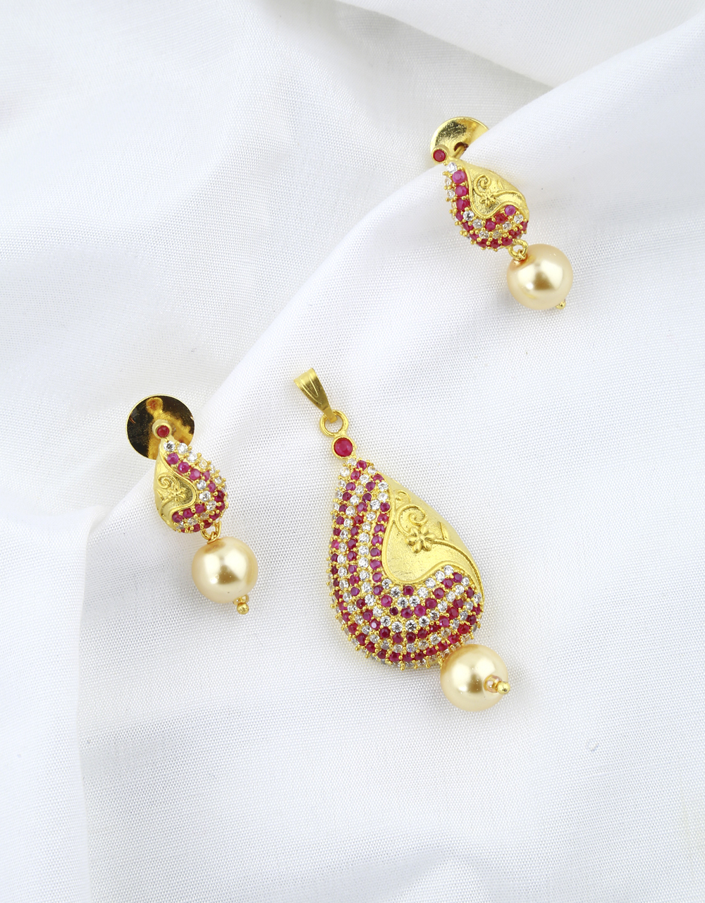 Gold Finish Studded Ruby Stone Traditional Pendant Set For Women