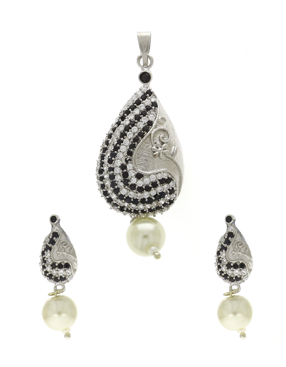 Silver Finish Studded Black Stone Traditional Pendant Set For Women
