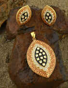 Gold Finish Diamonds Pendant Set For Women|Traditional Chain Pendant Set