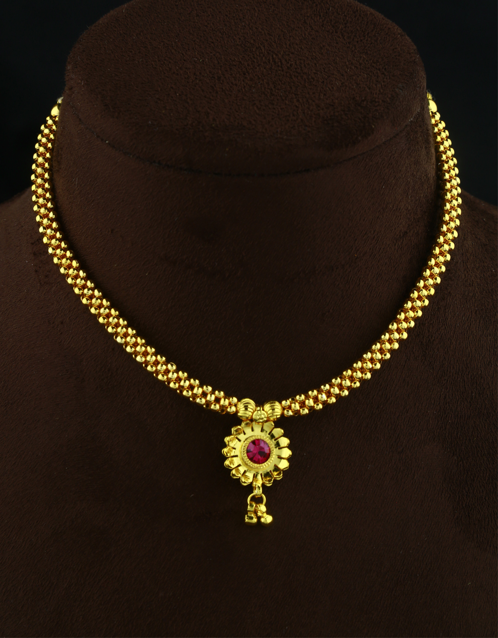 Adorable Pink Colour Dorla Styled Traditional Thushi Necklce Set For Women & Girls