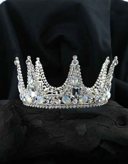 Classy Trendy Party Wear Crown For Girls|Birthday Crown | Pre-Wedding Crown For Stylish Girls