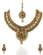 Royal Looking Kundan Integrated Necklace Set