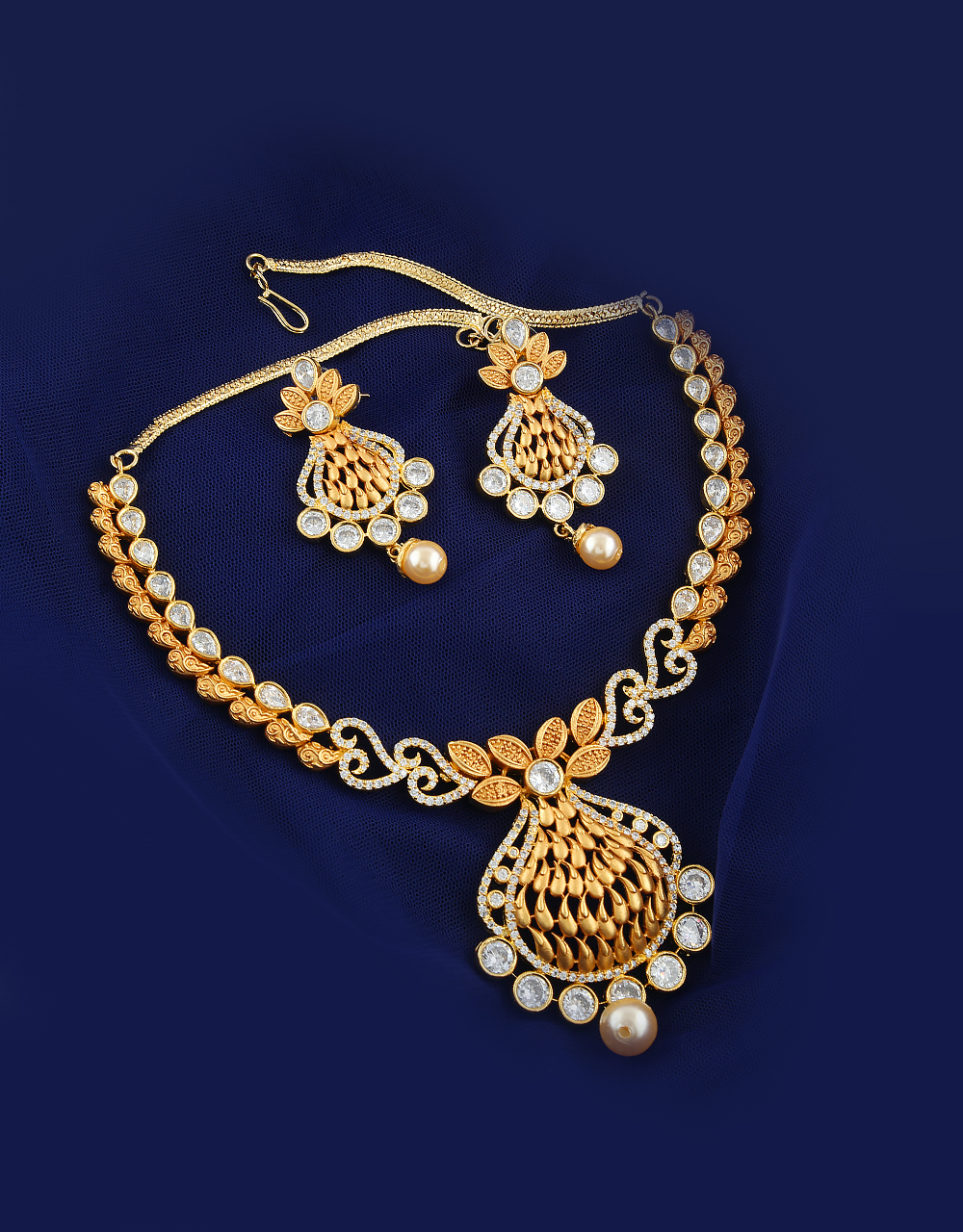 Gold Finish Stylish Diamond Necklace Studded With Pearl Beads Ladies Diamond Necklace