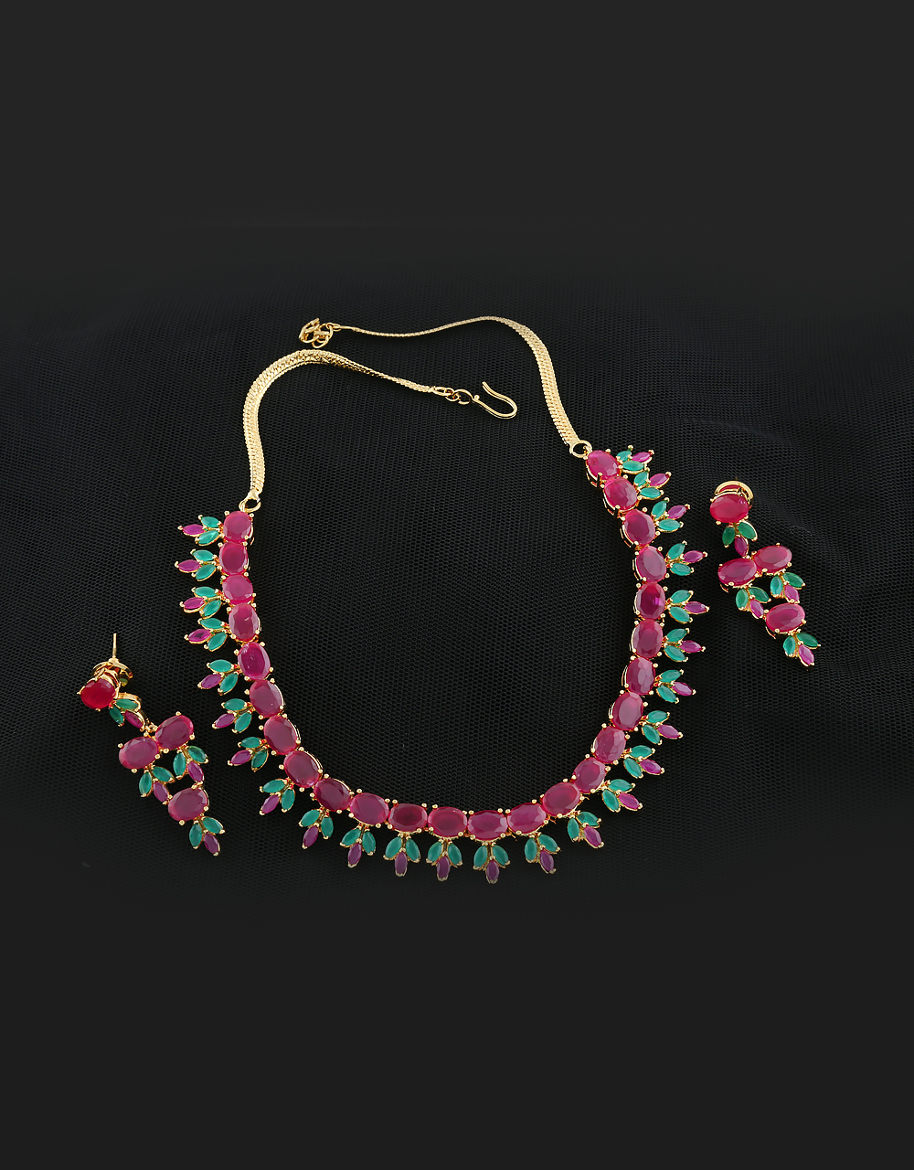 Multi Colored Fashionable Necklace Styled With Ruby Diamond Necklace